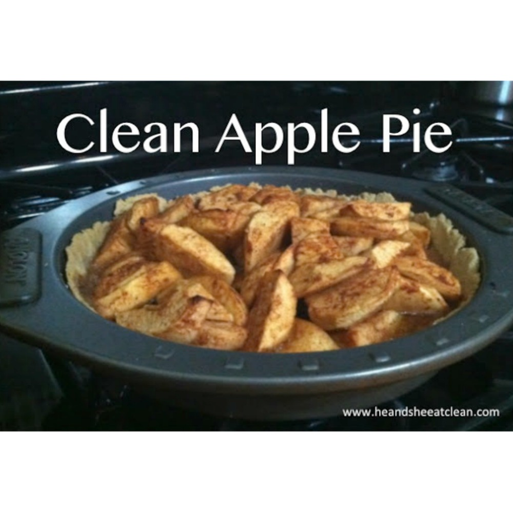 apple pie in pan with text that reads clean apple pie