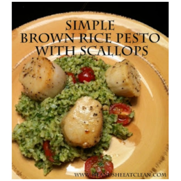 brown rice pesto with scallops in a beige plate