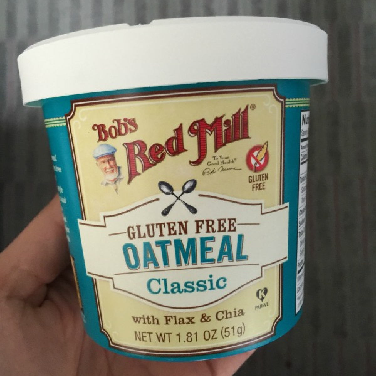 picture of the front of the Bob's Red Mill Oatmeal cup
